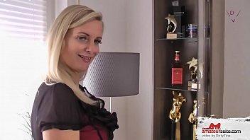 Blonde Matte liebt es, mit neuen Männern zu ficken